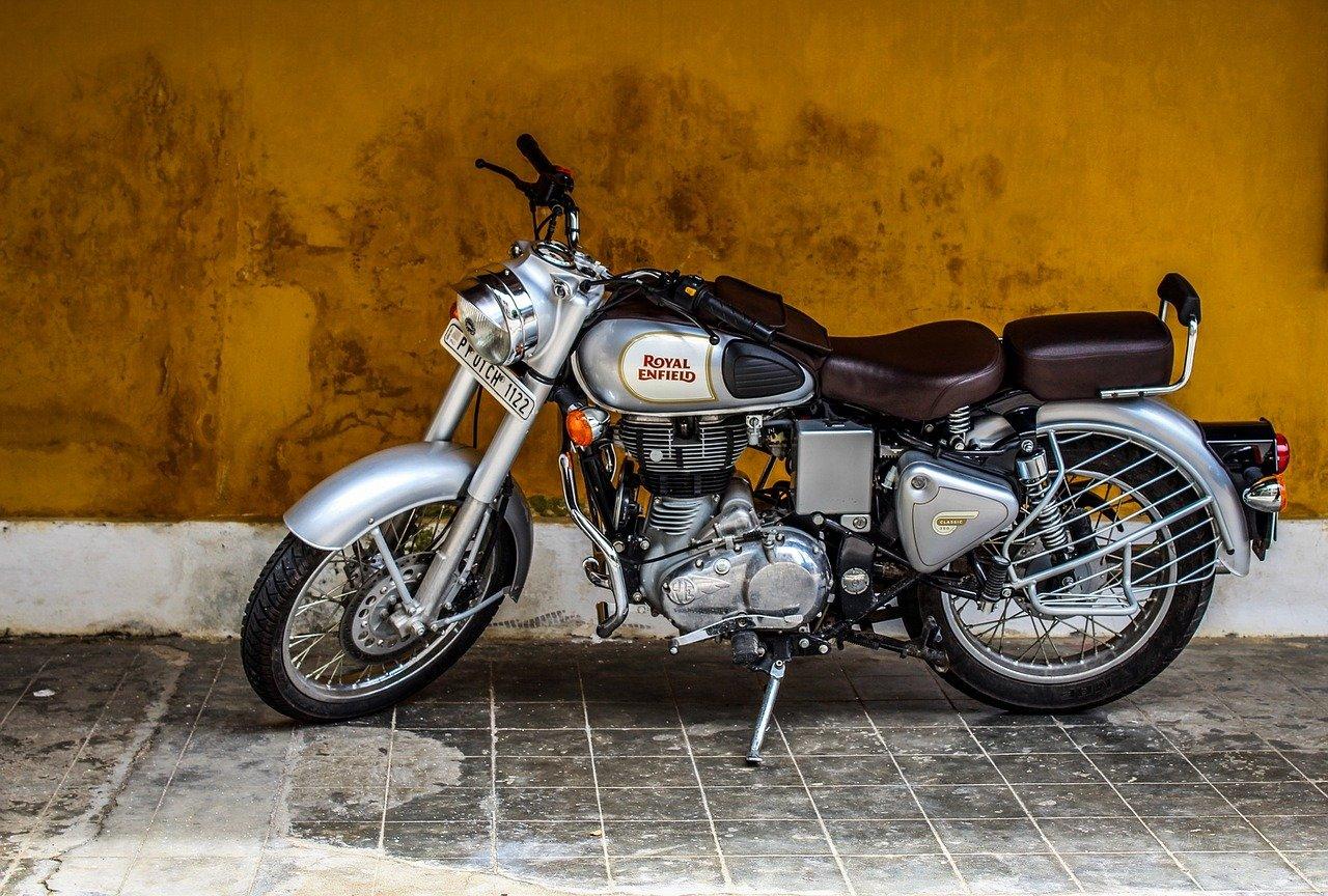 Royal Enfield motorfiets laten taxeren