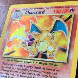 Base Set Charizard Pokémon kaart